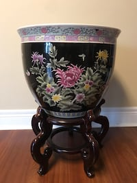 Black and pink floral ceramic vase with stand 547 km