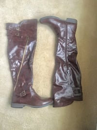 Ladies size 8 Boot