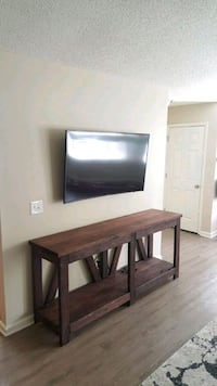 Console table Goose Creek, 29445
