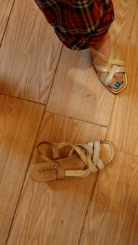 Gold leather sandals (Plz see my offer) Kitchener, N2G 4X6