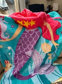 "Christmas gift Ideas 100% Cotton Kids Hooded Towels. Age 2-6, 24""x48"" Bristow, 20136"