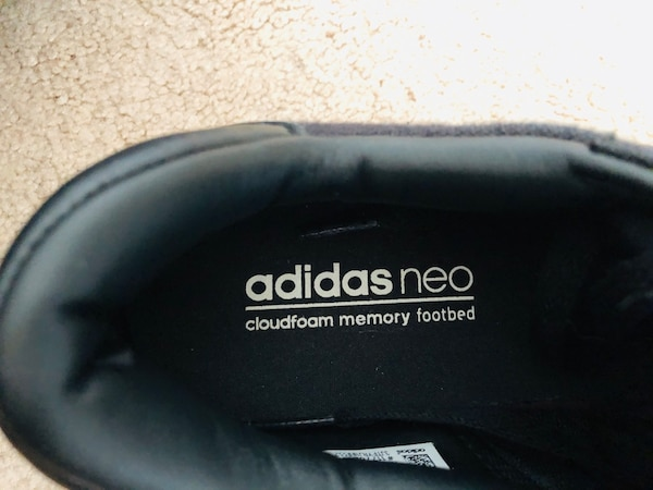 Men's adidas neo cloudfoam footbed black size 8.5  (pick up only) 6d5279b7-c761-4dae-9f4e-347ae156efb9