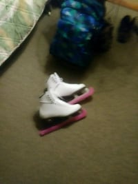 white-and-red Air Jordan basketball shoes Baltimore, 21230