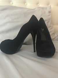 Size 9 never worn  Mississauga, L5G 4C6