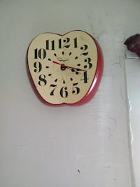 white and red apple clock Bluefield, 24701