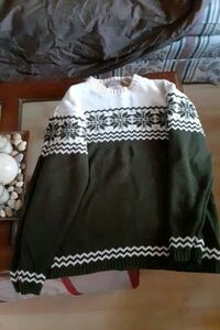 sweater  Manchester, 03104