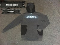 black and gray Under Armour pullover hoodie London, N5V 1E5