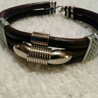 Leather Bracelet.. Harper Woods, 48225
