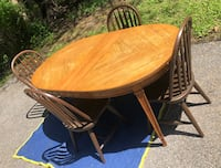 Table and 4 chairs wooden chairs for sale! Fort Washington, 20744