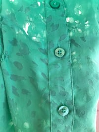 Xl Beautiful green blouse with see-through drops. Sexy fit.