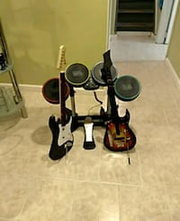 Rock Band 2 game system. Edison, 08817