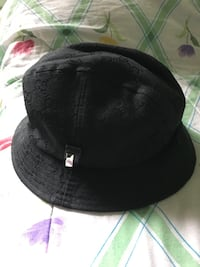 Gucci bucket hat great preowned condition