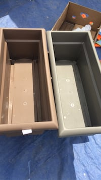 two rectangular brown and grey plastic containers Bakersfield, 93304