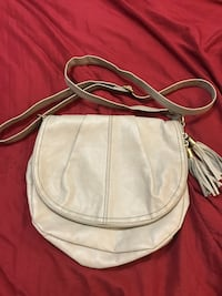 white leather crossbody bag with tassel Montréal, H3H 2G3
