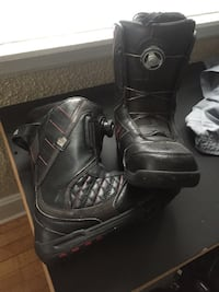 Snowboarding Boots (Size 9)