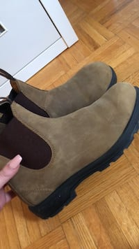 Blundstone boots - need gone asap! Toronto, M6P 4A6