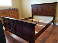 Bed frame with headboard and footboard Langley, V1M 2E6