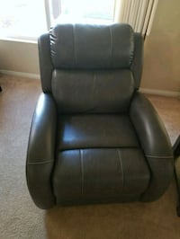 Leather recliner chair Las Vegas, 89139