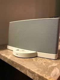 Bose speaker with Bluetooth adapter, remote and aux cord Vernon Rockville, 06066