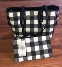 black and white Burberry leather tote bag Winnipeg, R2V 0S2