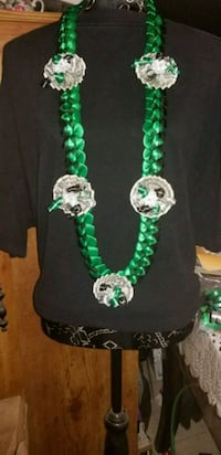 green and silver beaded necklace Greenfield, 93927