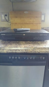 DVD/CD player with remote Barrie, L4N 6C4