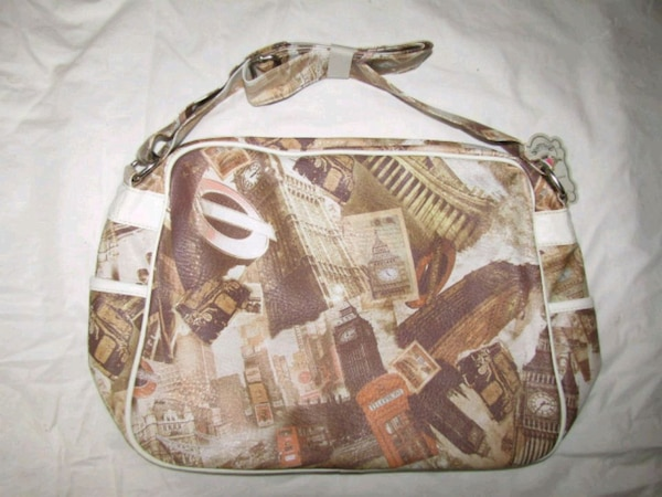 brown and white london icon shoulder bag