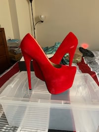 Brand new red heels Baltimore, 21214