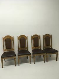 Set of 4 oak dining chairs Abbotsford