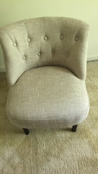 Brown fabric padded sofa chair Centreville, 20120
