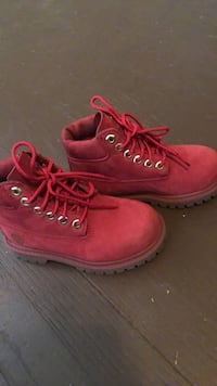Pair of red timberland work boots Wilson, 27893