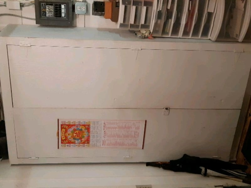 Large cabinet with drawers and shelves 47208ae3-8449-408c-a605-dbf62e02aa74