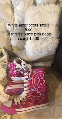 pair of pink Peace high-tops Blue Eye, 65611
