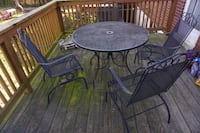 Circular Patio table with rocking chairs (199 or best offer) WASHINGTON