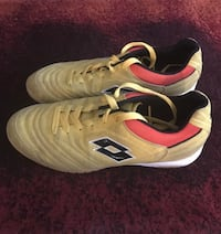 Boys indoor soccer shoes Calgary, T3R 1L6