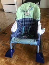 2 baby chairs Mississauga, L4Y 2A6