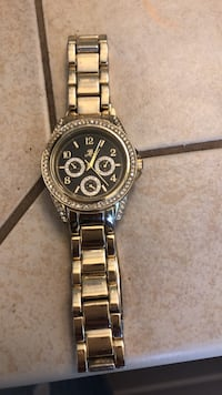 round silver chronograph watch with silver link bracelet Vancouver, 98685