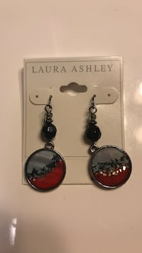 Pair of silver-colored and red beaded earrings Salem, 53168