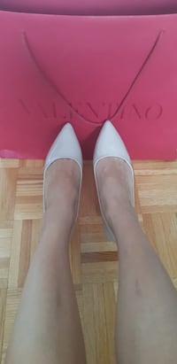 Nude comfortable square heels size 8 Vaughan, L4H 2K4