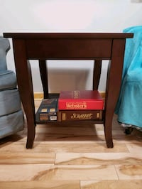 Solid wood table Barrie, L4M 5C4