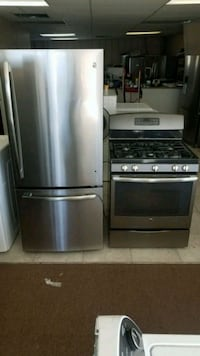 Ge refrigerator clean and gas stove clean  Aurora, 60506
