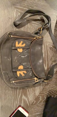Marc Jacobs hand bag. Paid 430usd.