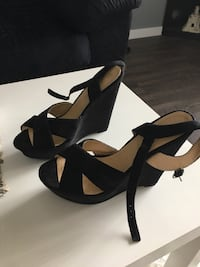 BRAND NEW WEDGE HEELS Size 9! Springfield