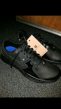 Shoes for crews non slip shoes size 10 1/2 Los Angeles, 90011