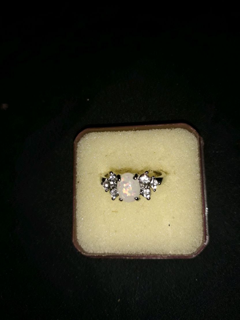 Photo 925 Sterling genuine opal ring size 7