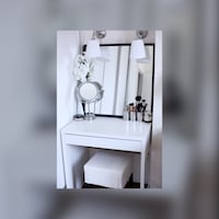 GREAT CONDITION: White vanity desk Falls Church, 22046