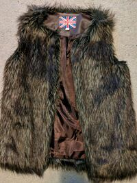 Faux fur brown vest Richmond, V7E 4Y7