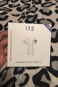 AIRPODS THAT LOOK EXACTLY THE SAME(BNIB)(fake) Toronto, M9R 1S8