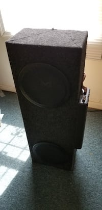Kicker box Speaker 10 inch with amp Maryland City