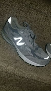 New Balance 990 Size 11 (See Discription)
